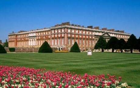 The show was first held in 1990 and created by Historic Royal Palaces and Network Southeast As quoted by the RHS