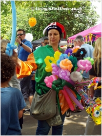 a balloon seller who kept popping her balloons