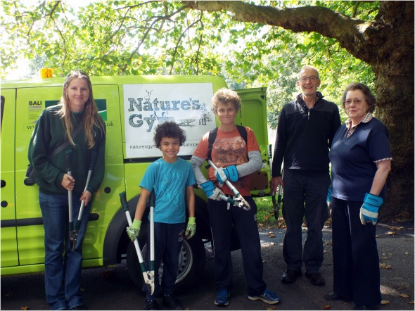The volunteers with Natures Gym down at Palewell Common and Fields