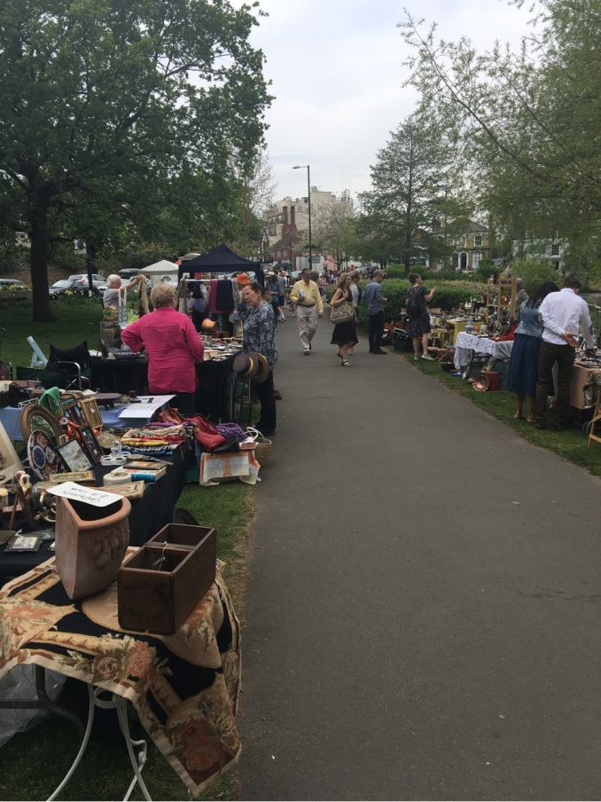 Barnes Collectables Market